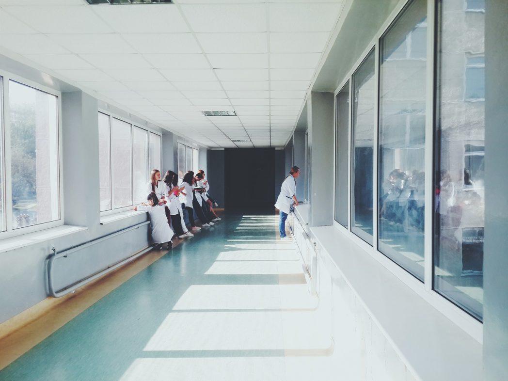 doctors-2607295_1280.jpeg
